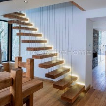 Automatic stair steps lighting
